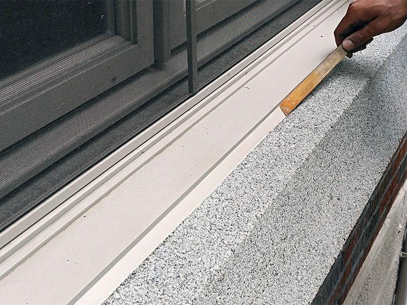 Exécution précise et bas prix pour le calfeutrage de vos fenêtres